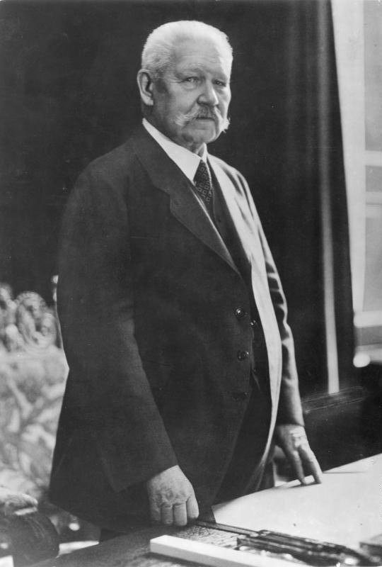 Reichspräsident Paul v. Hindenburg